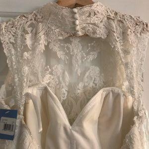 Alfred Angelo Dresses Unique Beautiful Classic Wedding Dress